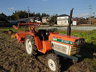 トラクターB1702